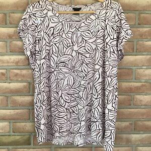 Ann Taylor size XL short sleeved tee with beads